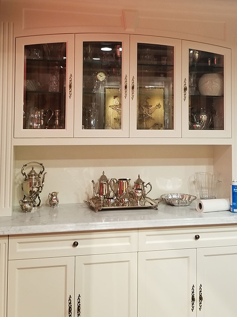 before-and-after-cabinet-glass-2-resized